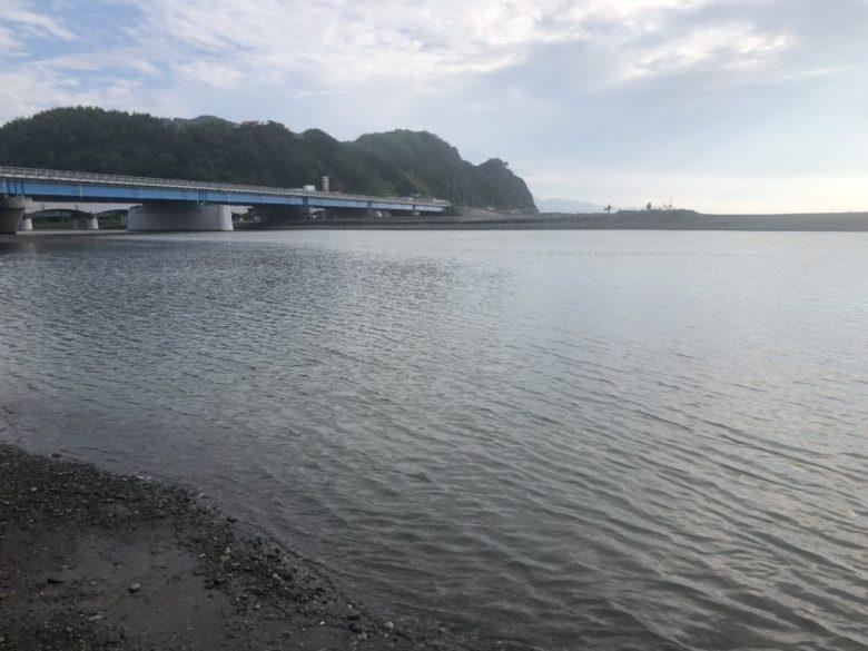 興津川 河口