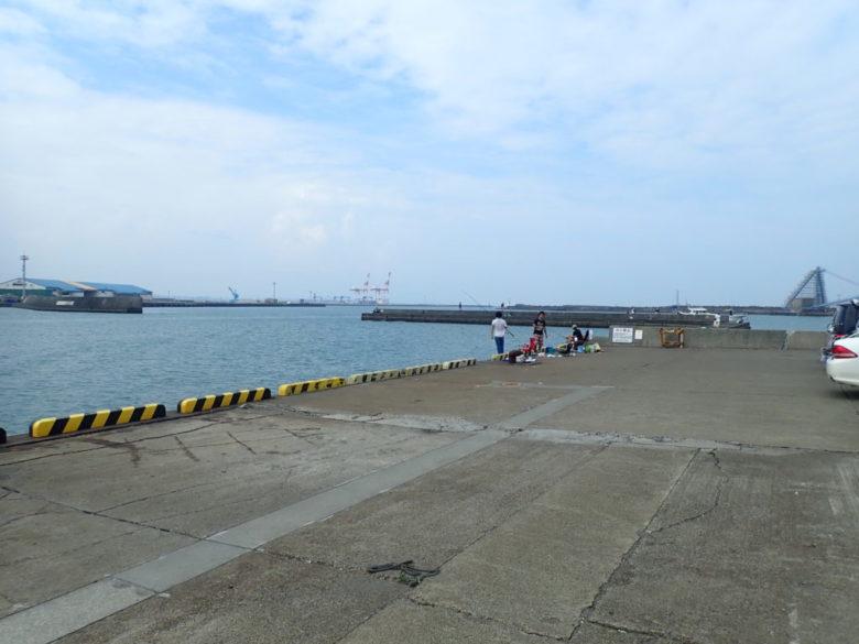 砂利埠頭 突堤 釣り禁止