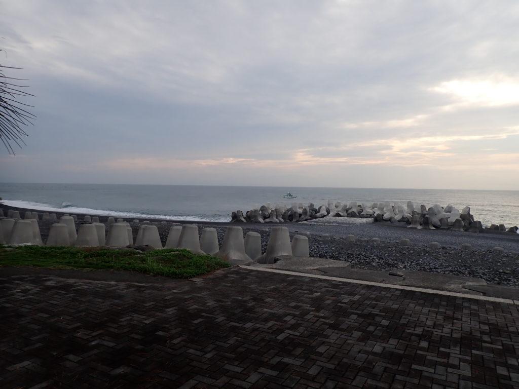 焼津 和田浜の釣り場・ポイントを詳しく紹介!【釣れる魚・水深・特徴】