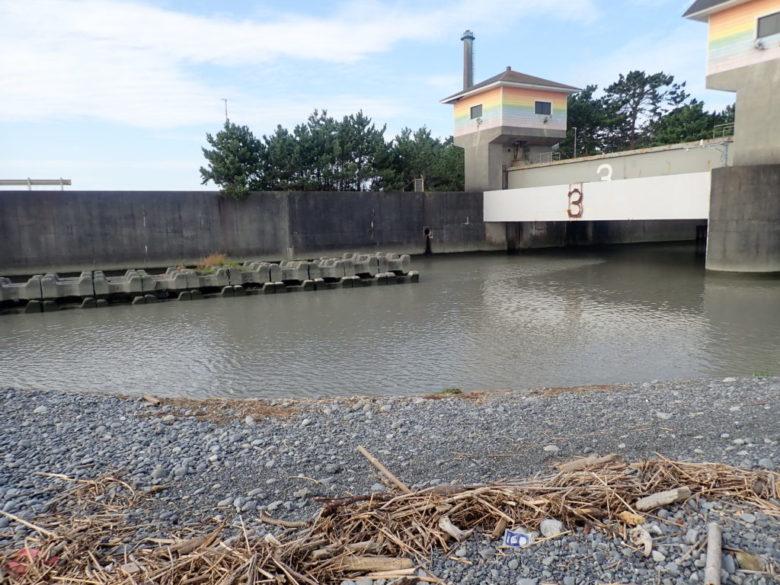 栃山川河口