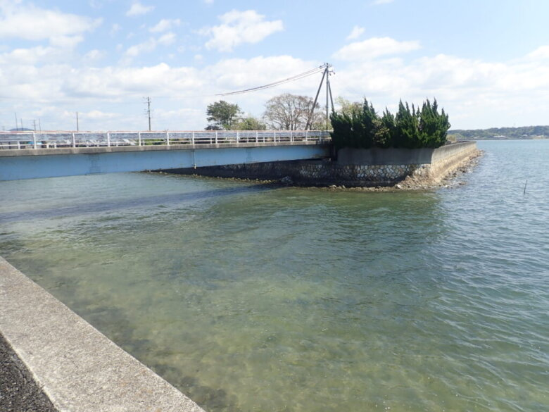 葭本川 河口