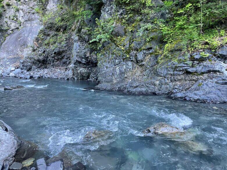 川 釣り場